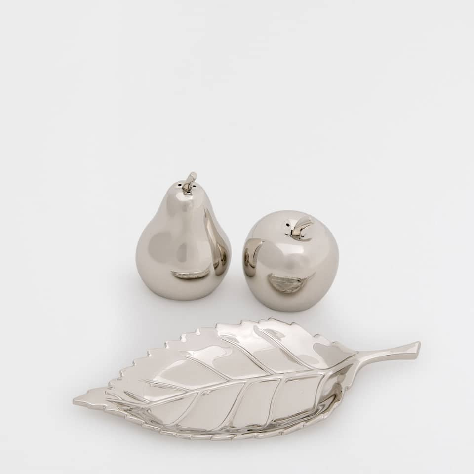 FRUIT-SHAPED SALT AND PEPPER SHAKER SET WITH SAUCER
