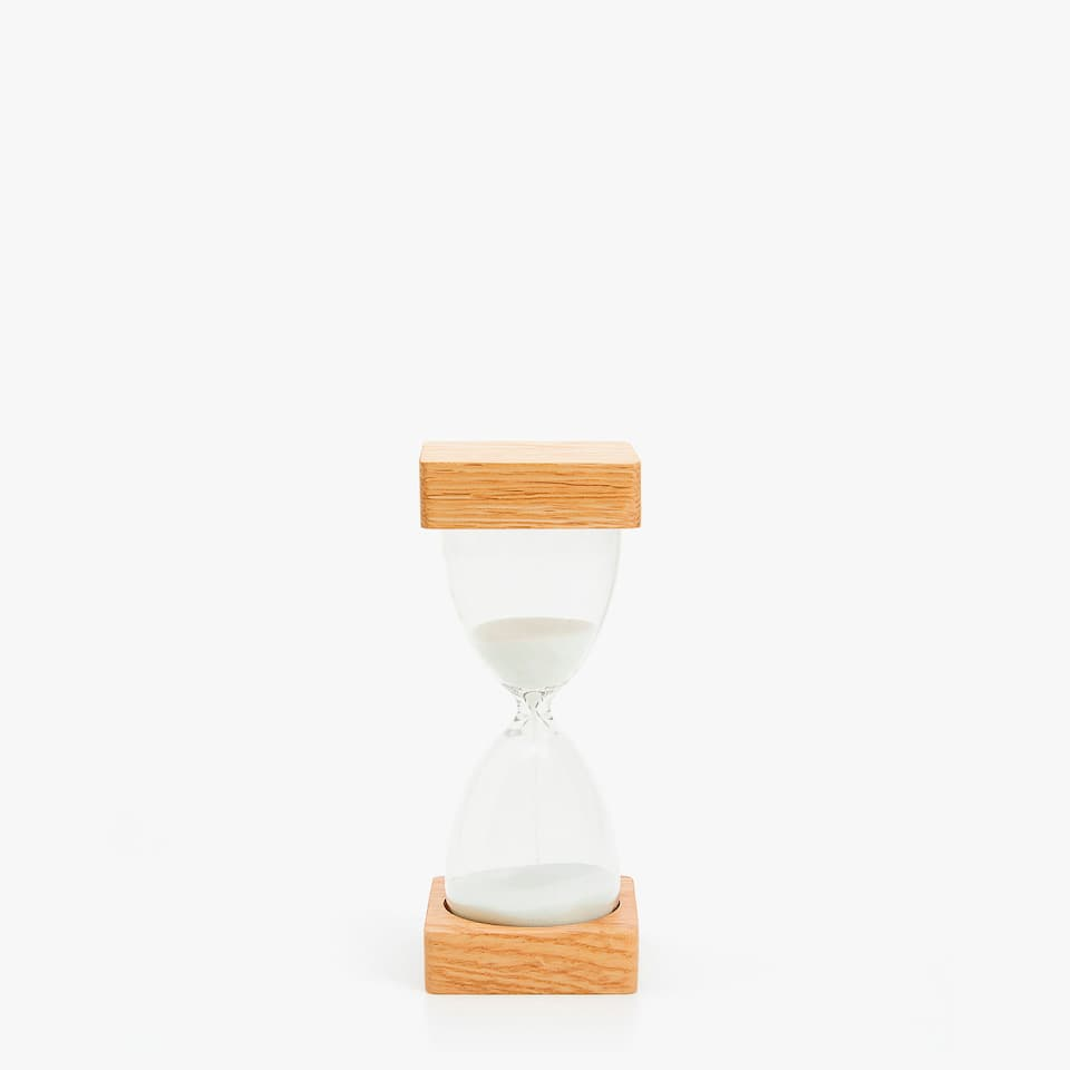 HOURGLASS WITH WOODEN BASES