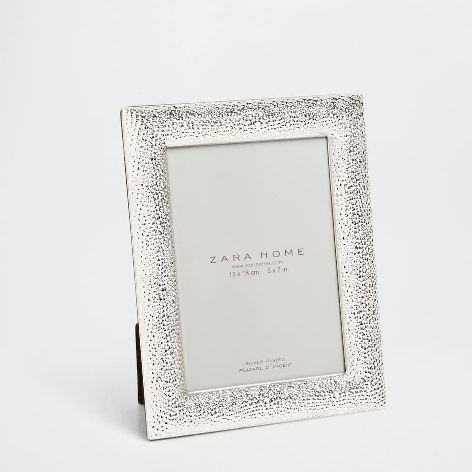 HAMMERED SILVER METAL FRAME