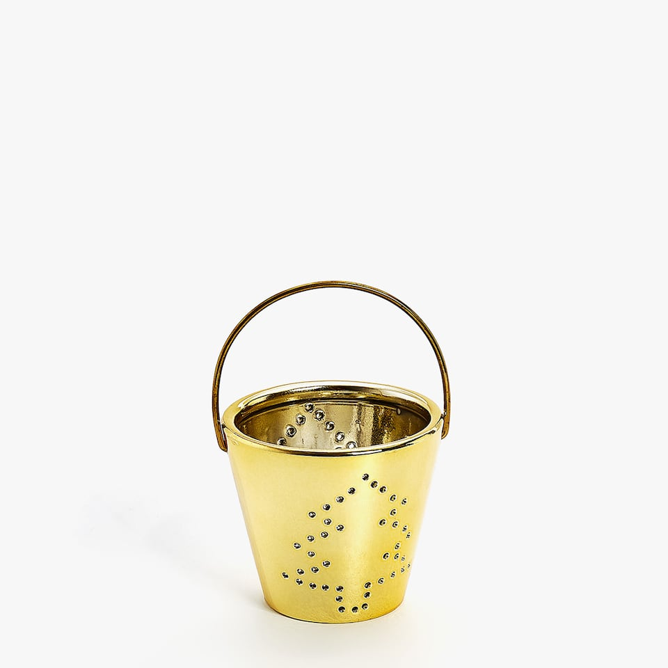 Gold ceramic tealight holder with handle
