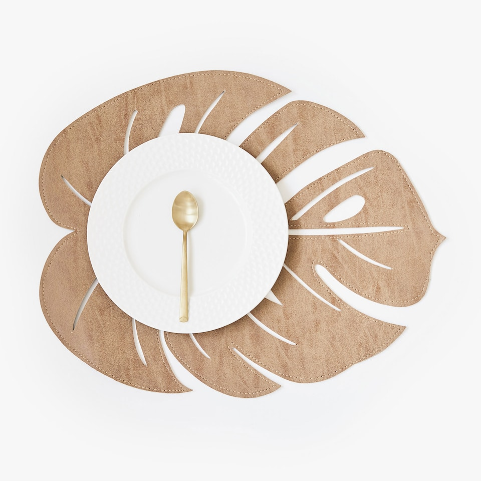 LEAF STRUCTURED PLACEMAT