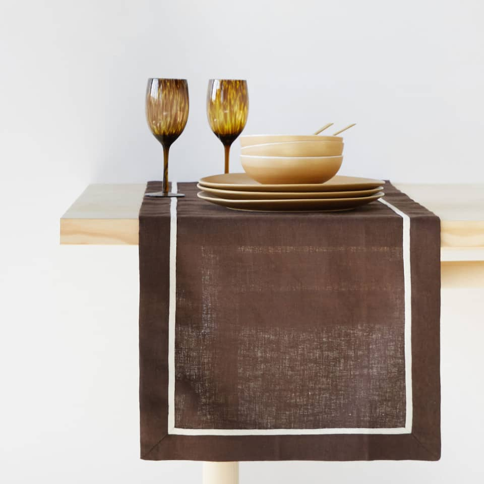 LINEN AND COTTON TABLE RUNNER WITH BORDER