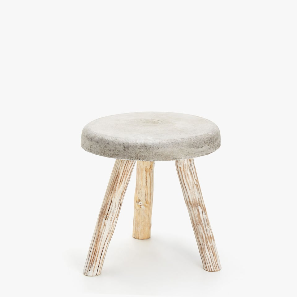 CEMENT STOOL WITH WOODEN LEGS