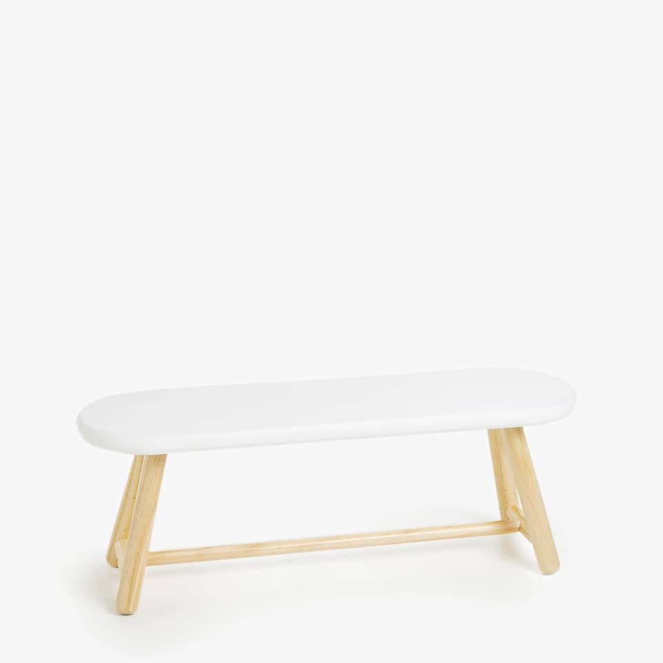 LONG BENCH WITH CONTRASTING LEGS