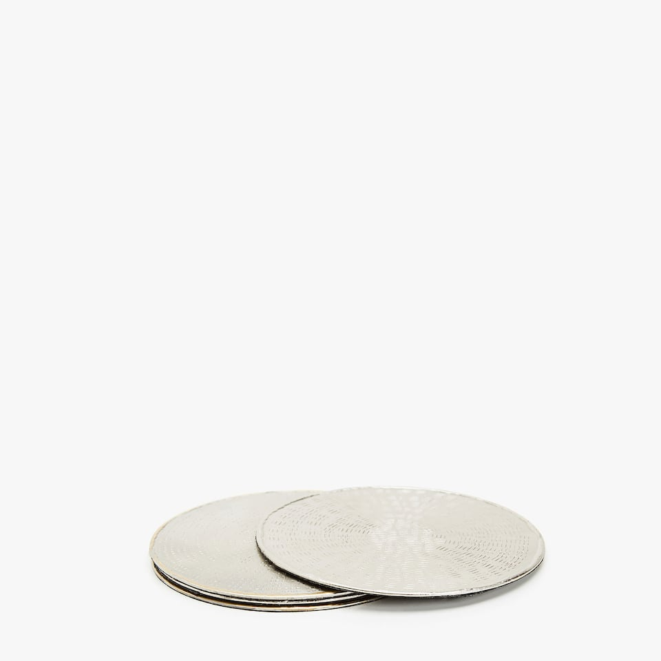 CONTRASTING HAMMERED COASTERS (SET OF 4)