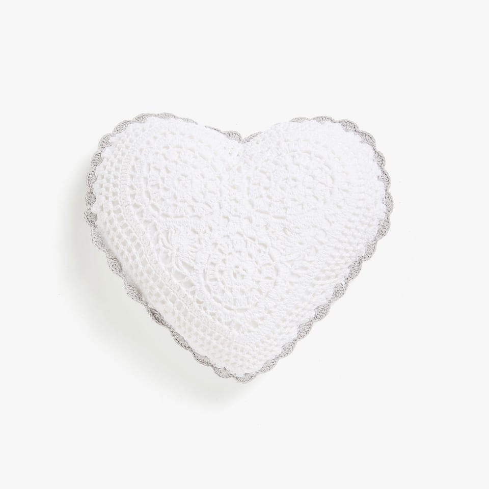 KIDS COJIN CROCHET HEART
