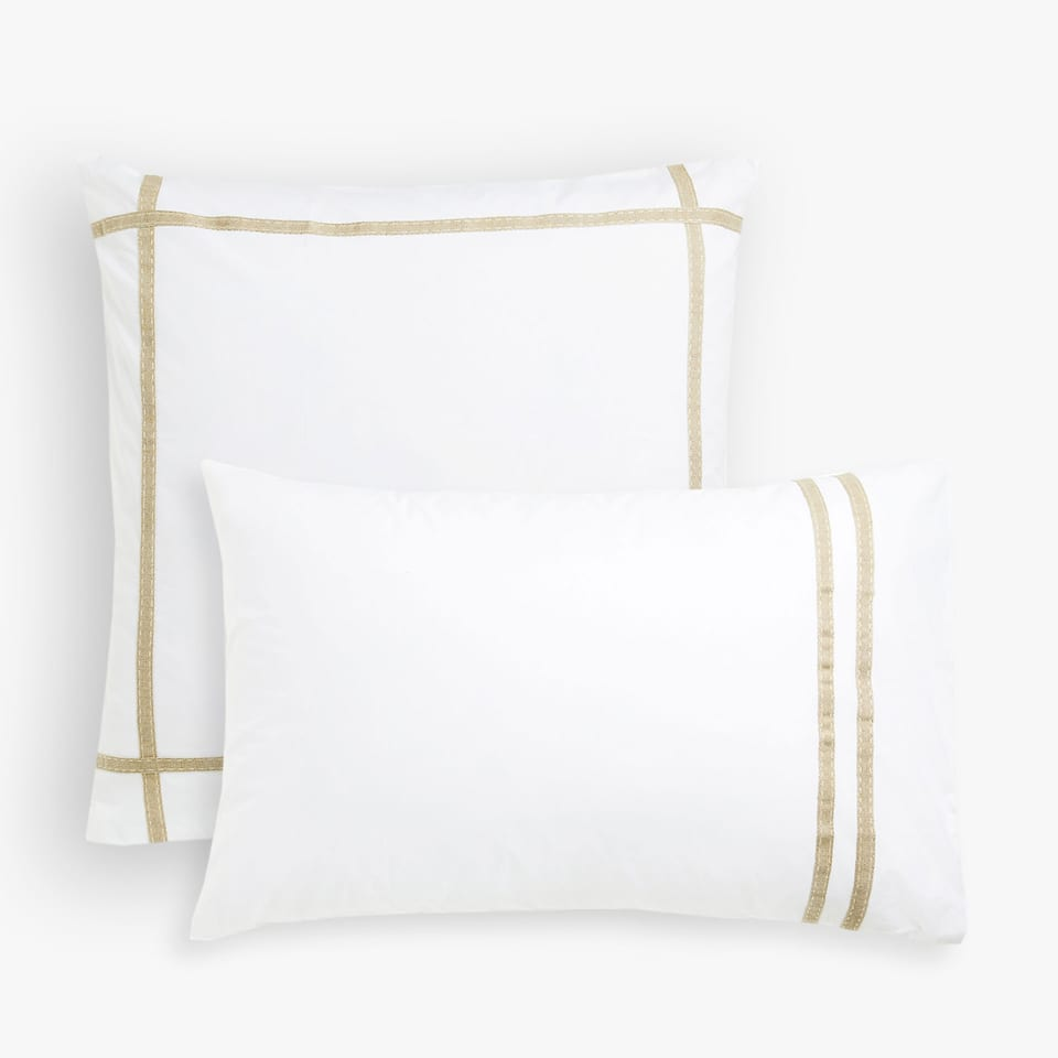 PILLOW CASE WITH A CONTRASTING NATURAL LINEN RIBBON