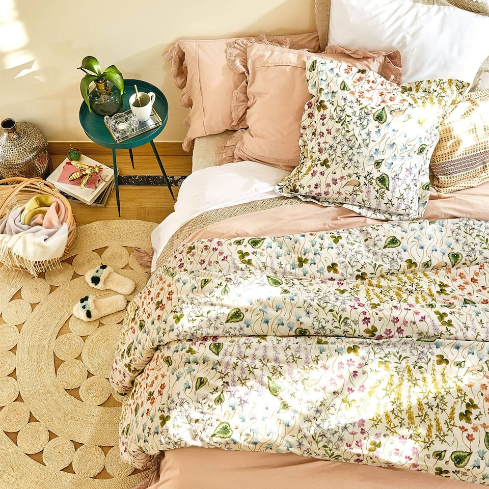 Floral and leaf print duvet cover