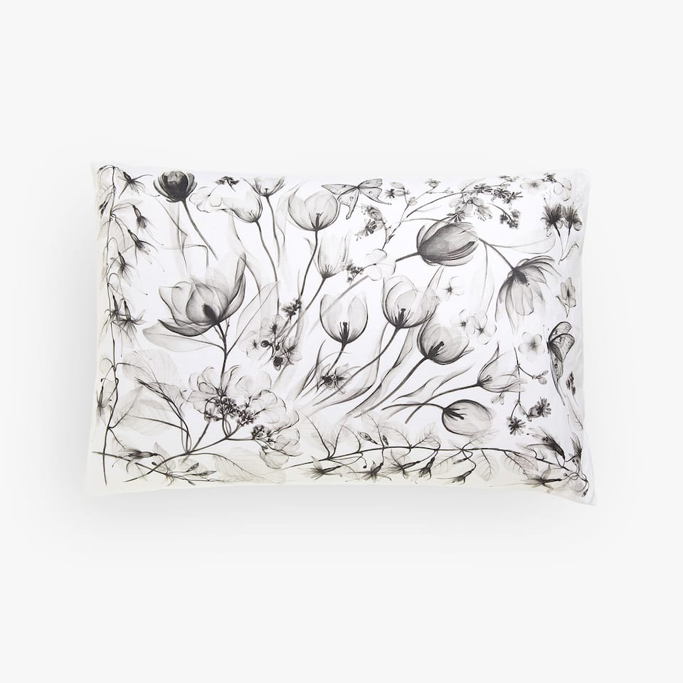Linen pillow case with blurred print