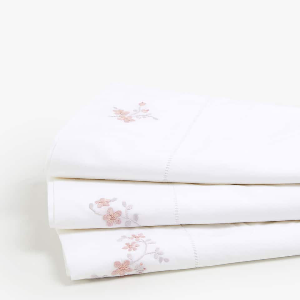 TOP SHEET WITH EMBROIDERED FLORAL DETAILS