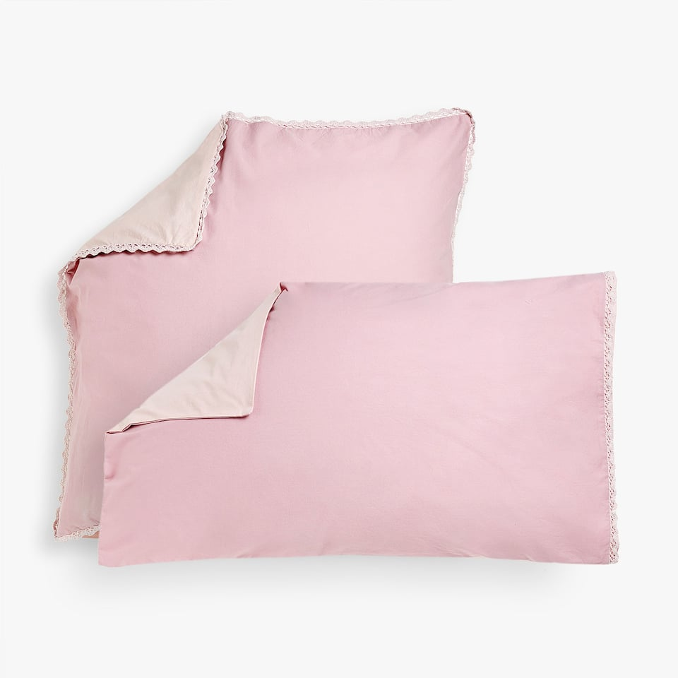 REVERSIBLE FADED PERCALE PILLOW CASE WITH LACE TRIM