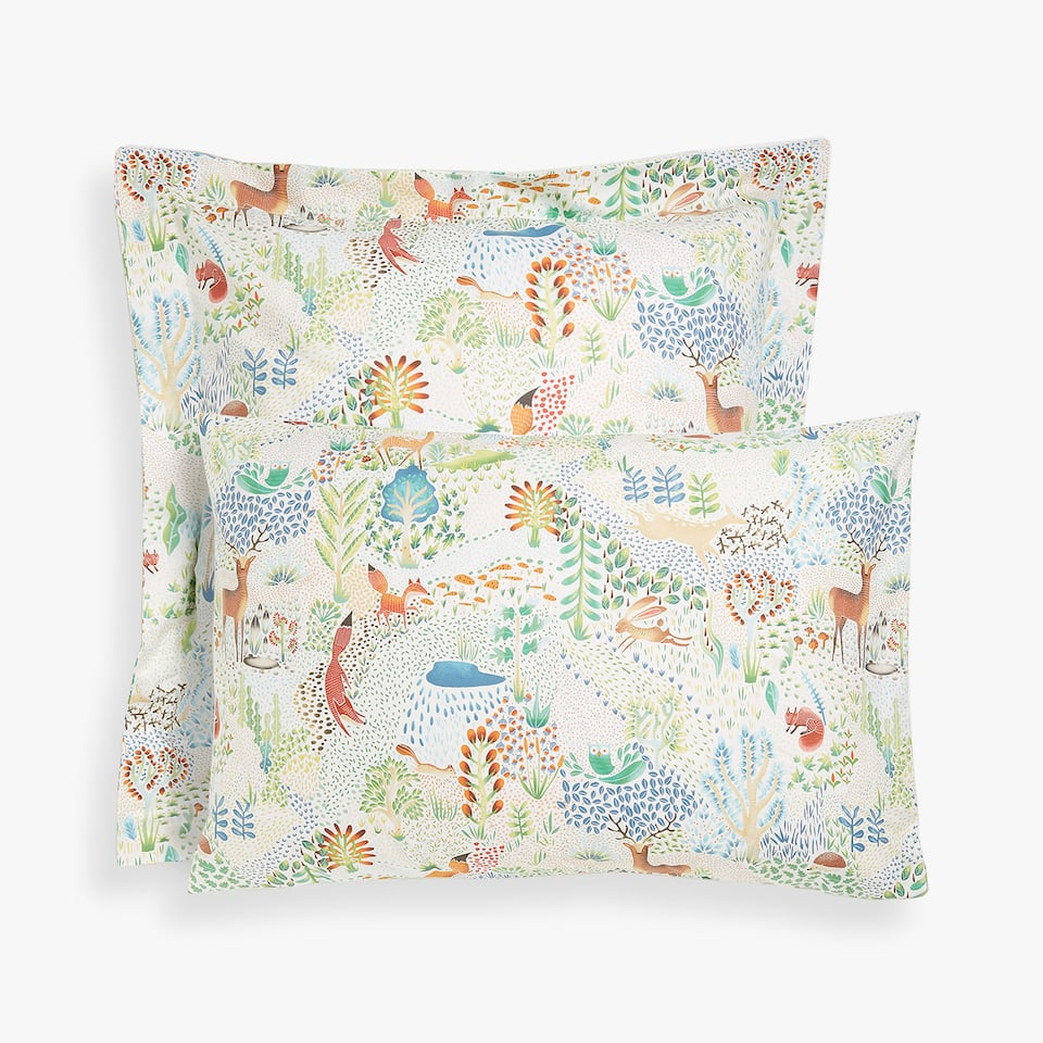 FUNDA DE ALMOHADA ESTAMPADO BOSQUE
