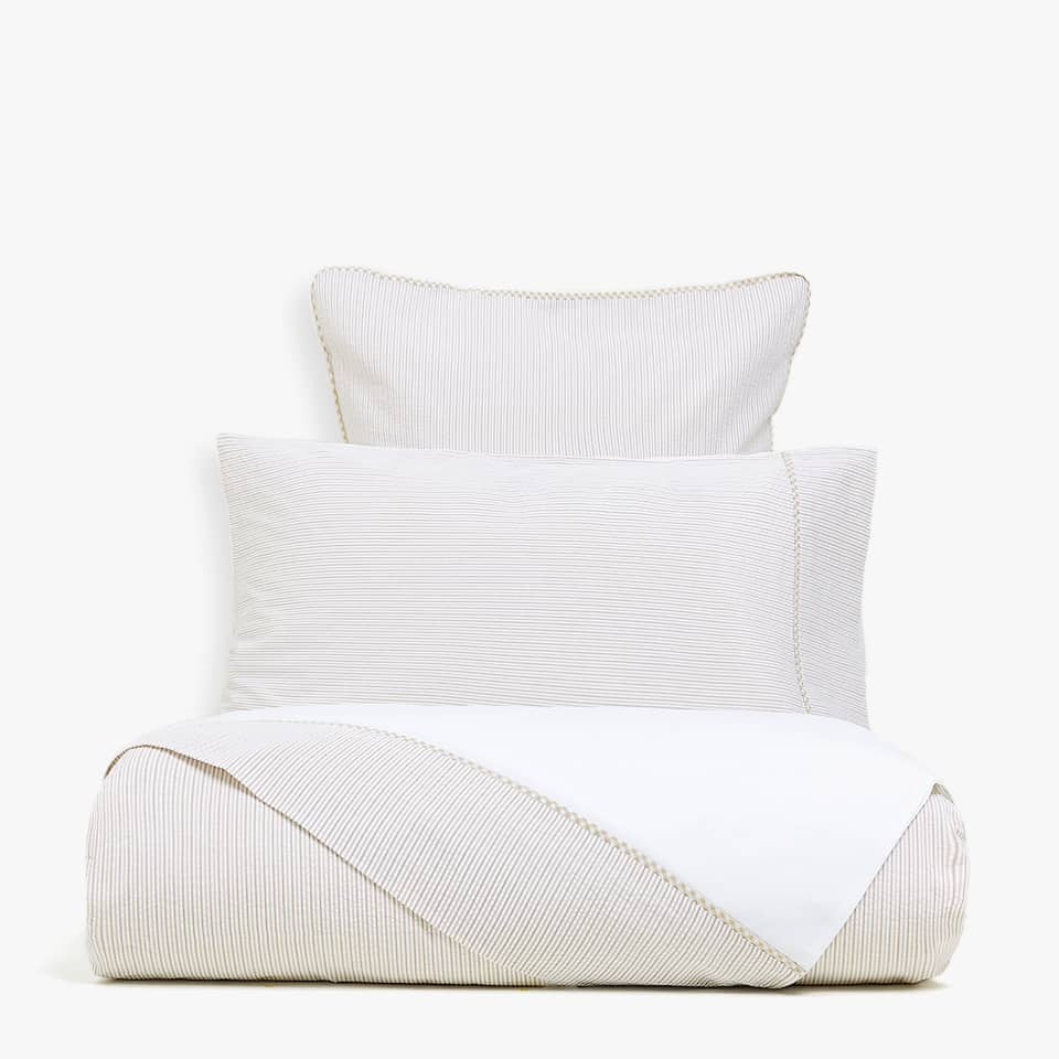 TWO-TONE BEIGE SEERSUCKER DUVET COVER