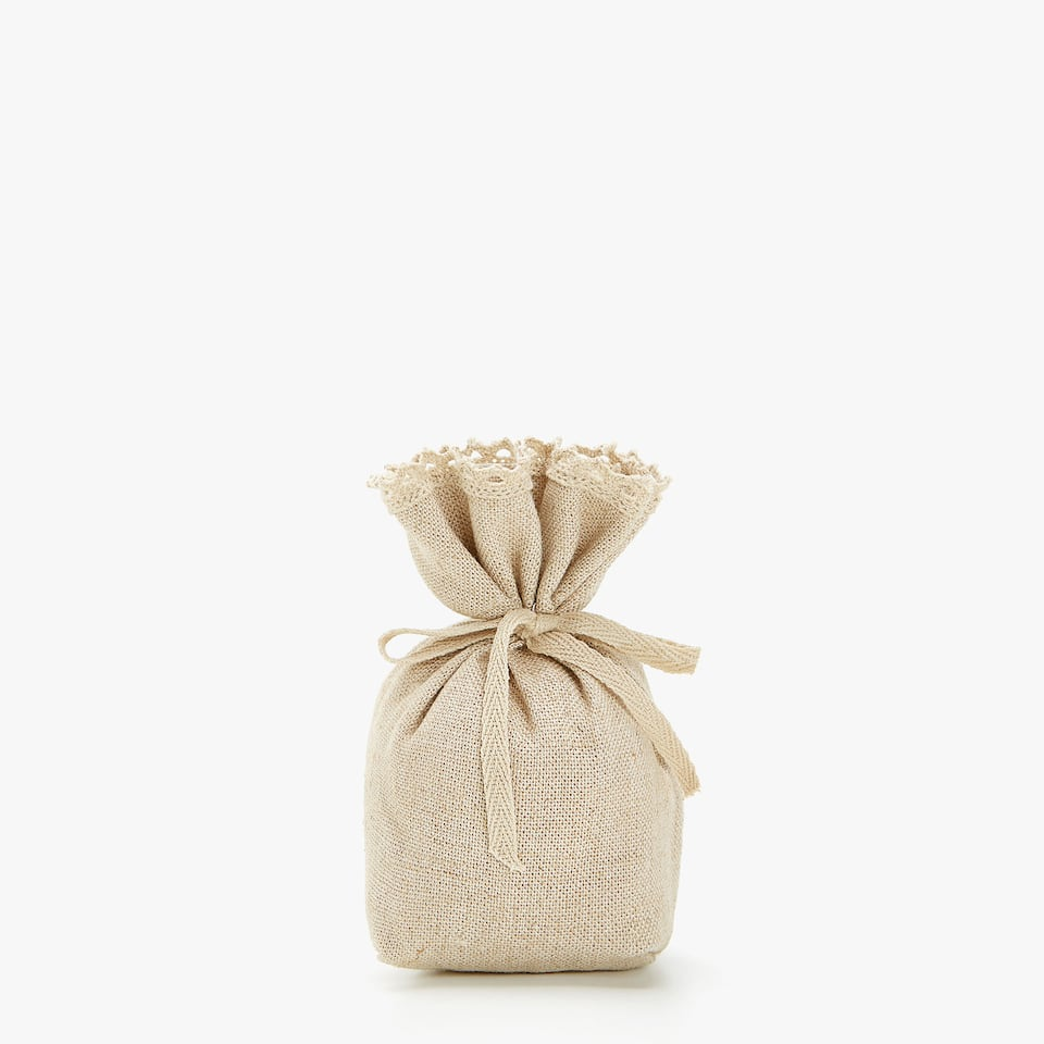 NATURAL-COLOURED LINEN SCENTED SACHET