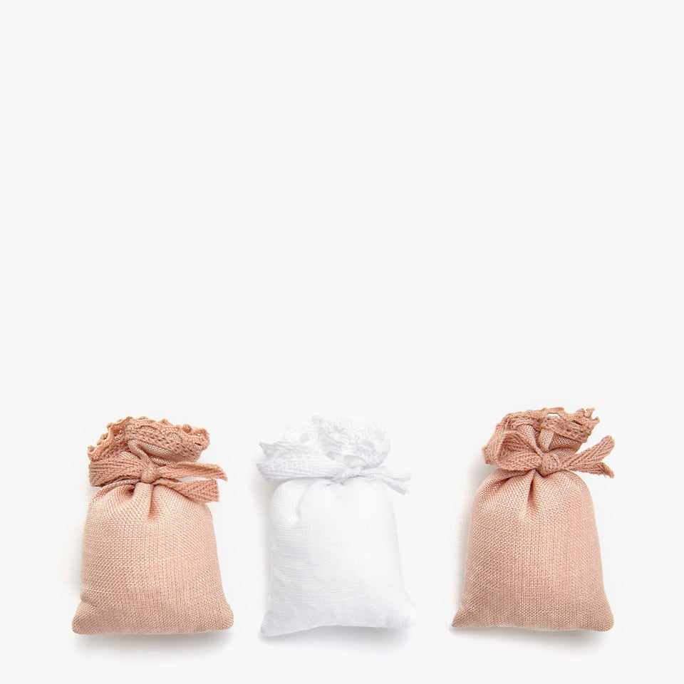 SCENTED SACHET (SET OF 3)