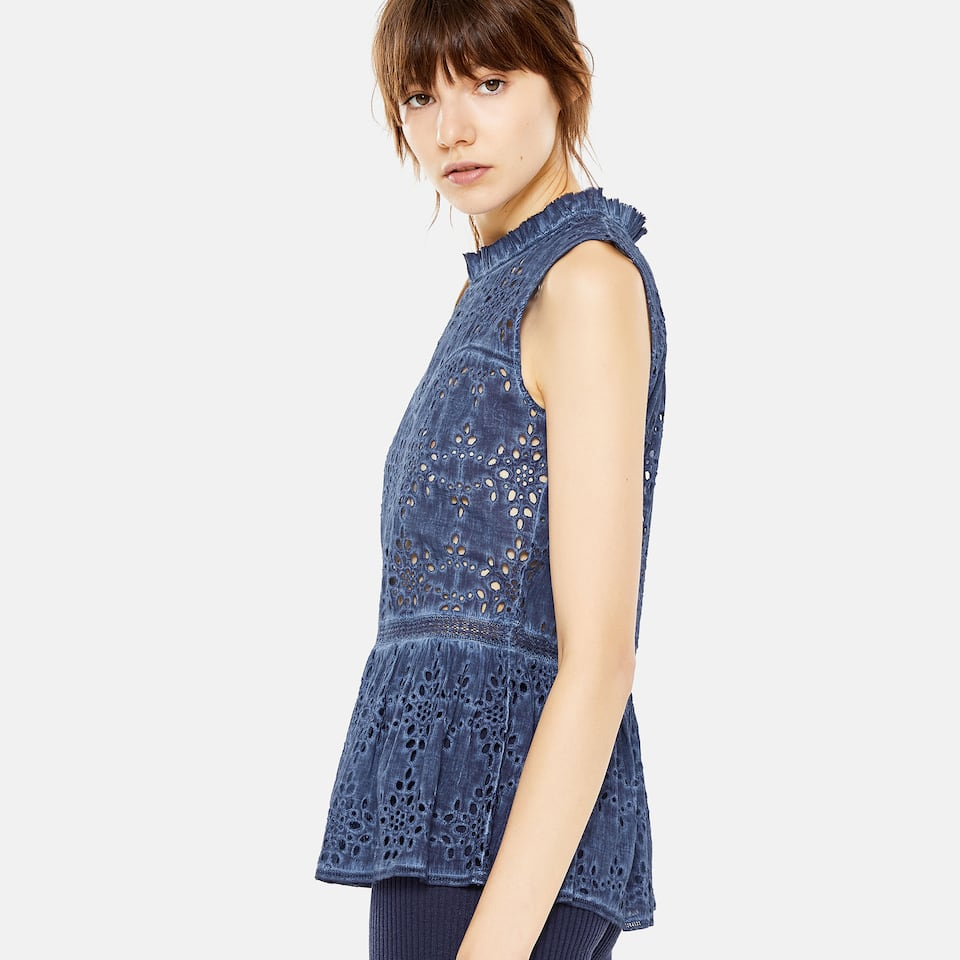 BLUE RUFFLED COTTON TOP WITH LACE