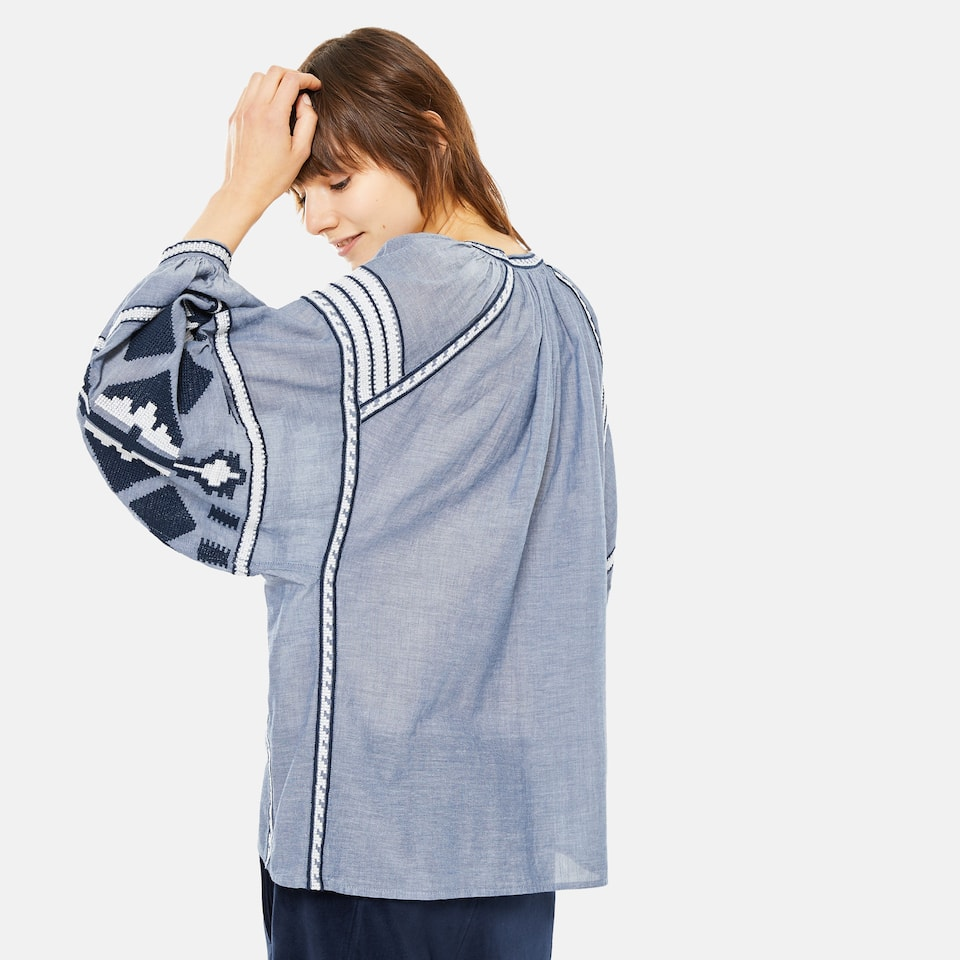 COTTON T-SHIRT WITH TRIBAL EMBROIDERY