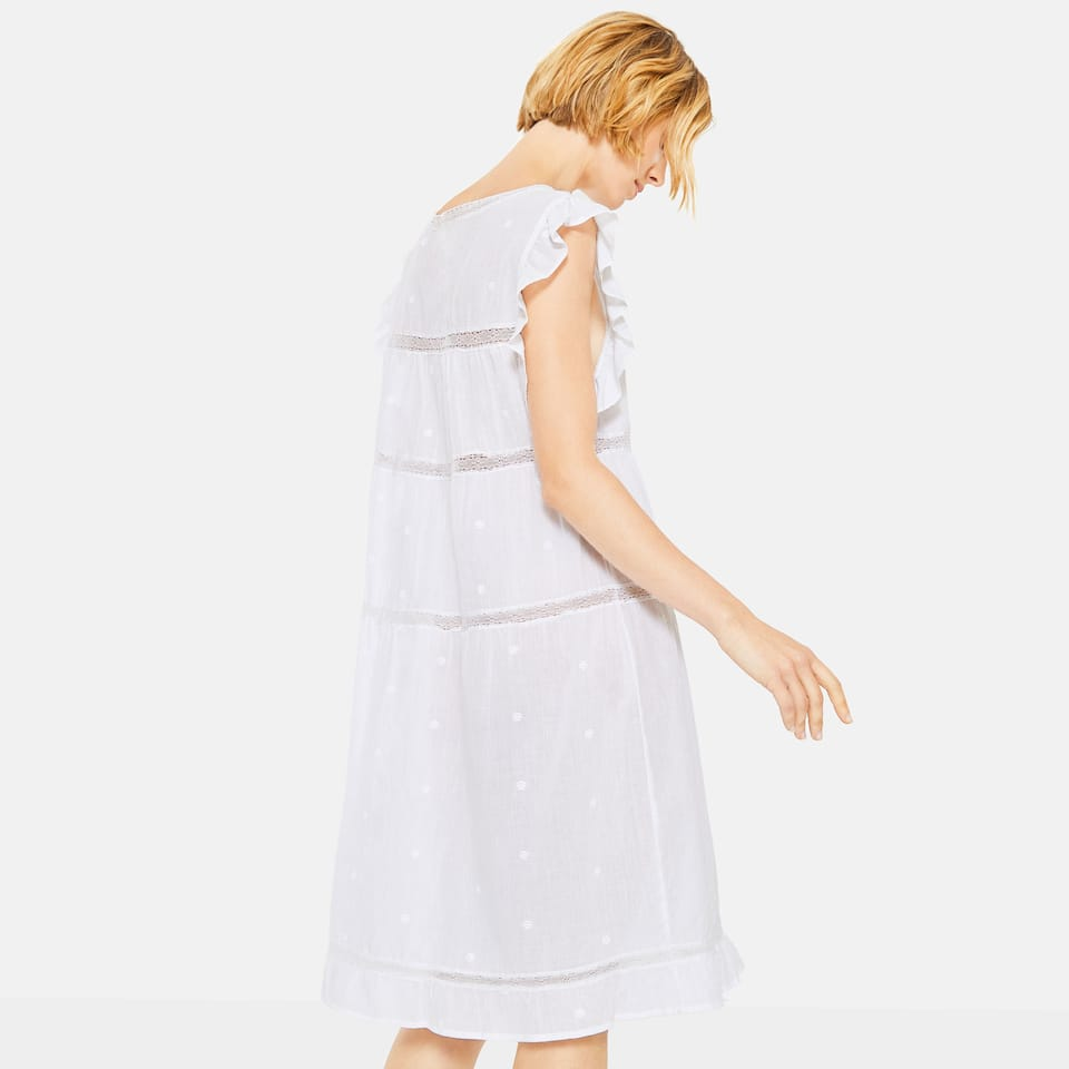 RUFFLED WHITE COTTON NIGHTGOWN
