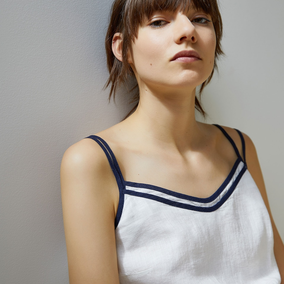 WHITE LINEN NIGHTDRESS WITH BLUE TRIM