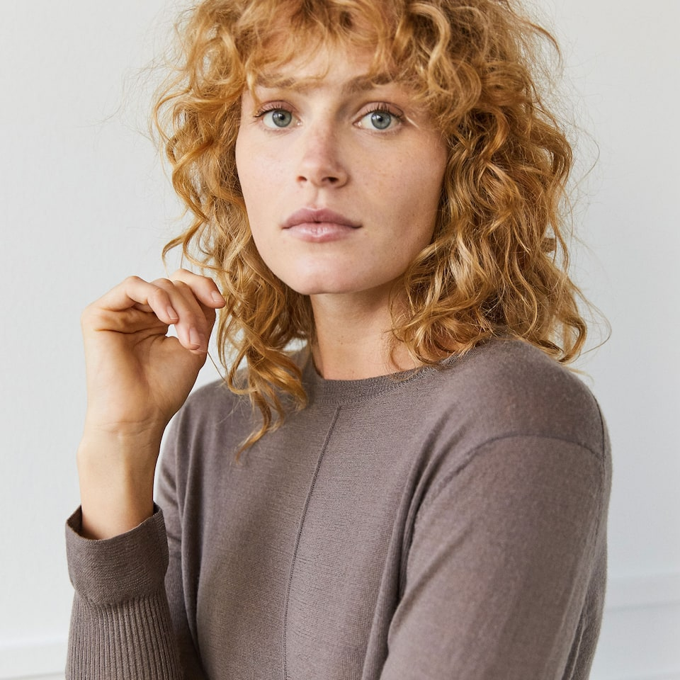 LONG BROWN WOOL SWEATER