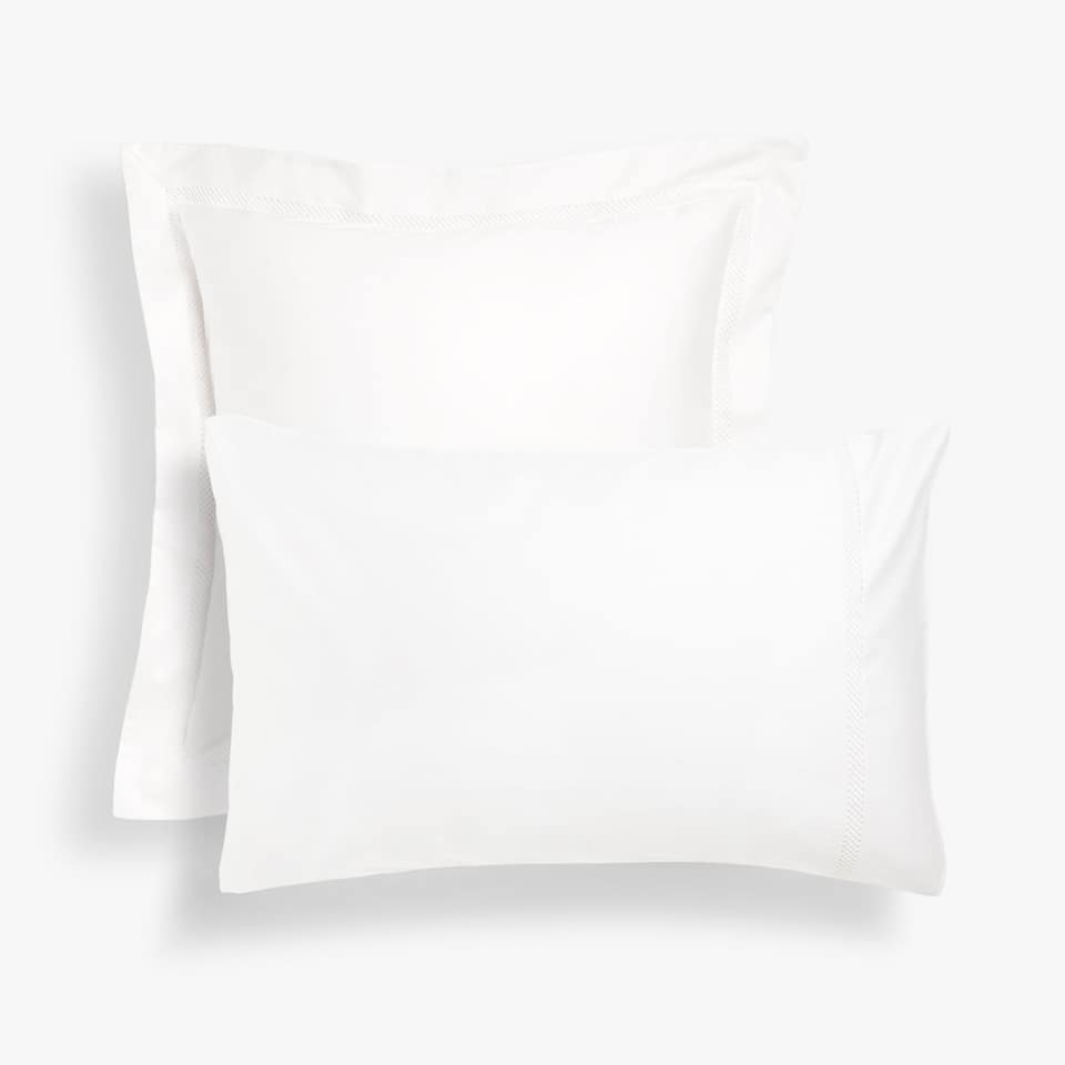 Pillow case with lace insert