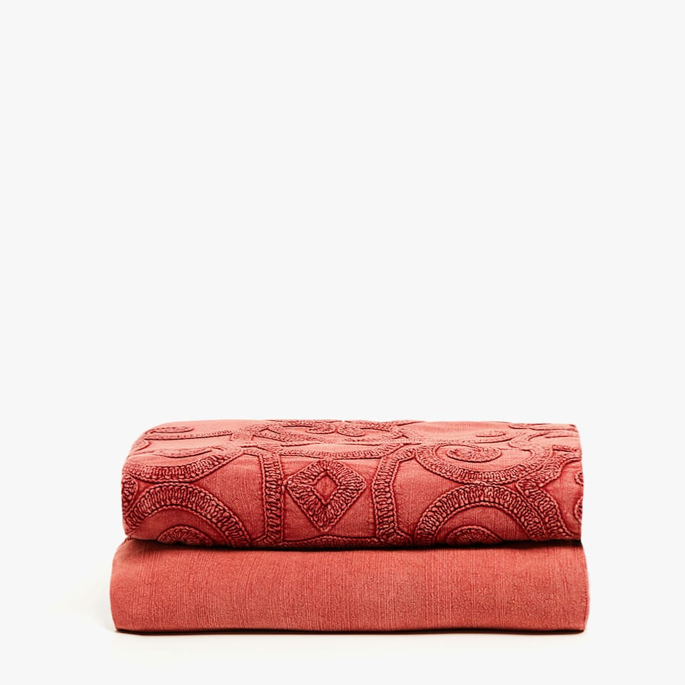 COTTON BEDSPREAD WITH CENTERED DAMASK PRINT