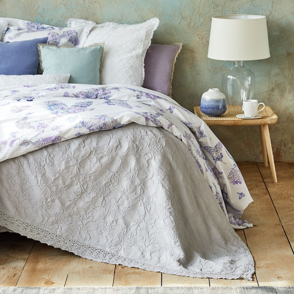 FLORAL COTTON BEDSPREAD WITH FRILL