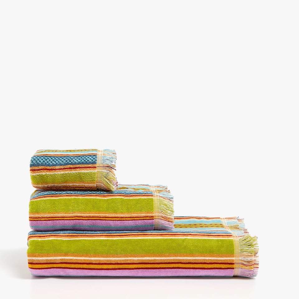 VELVETY STRIPED JACQUARD COTTON TOWEL WITH FRINGE