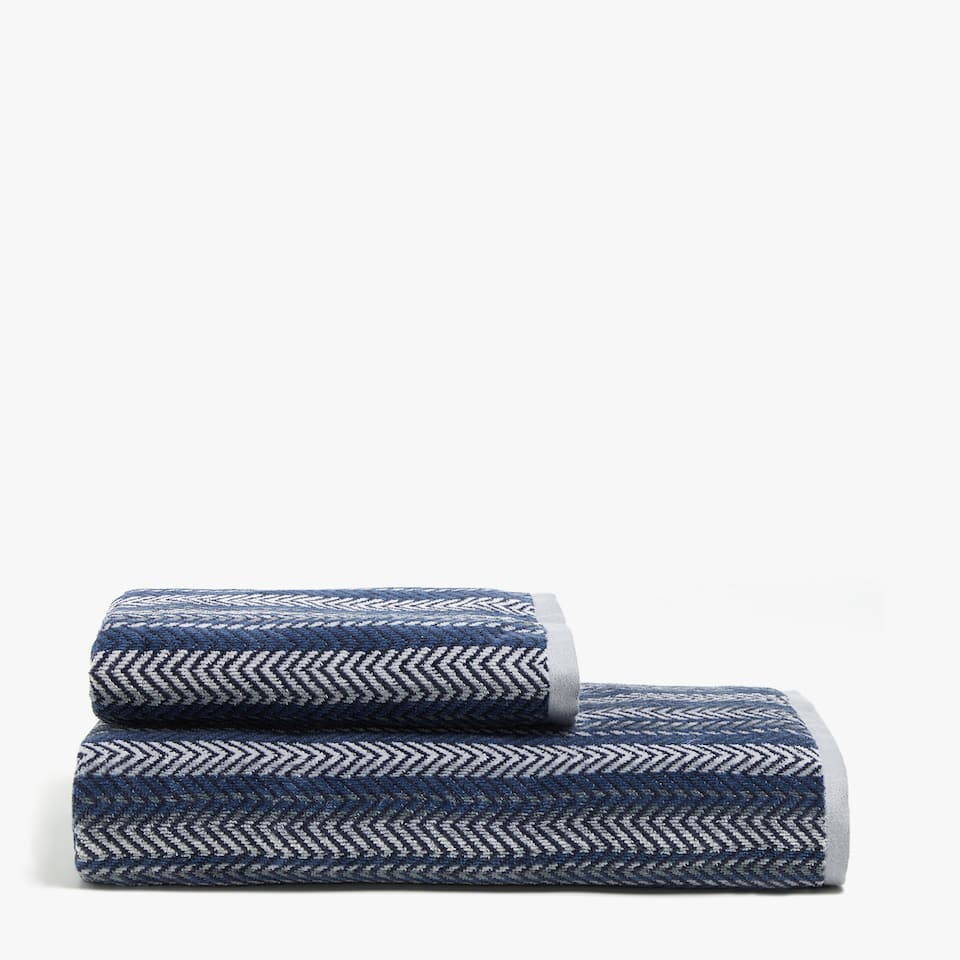 VELVETY COTTON TOWEL WITH MULTIPLE JACQUARD STRIPES