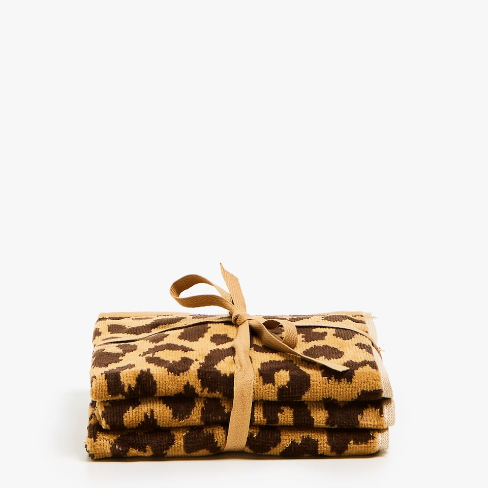 VELVETY COTTON TOWEL WITH LEOPARD PRINT (SET OF 3)