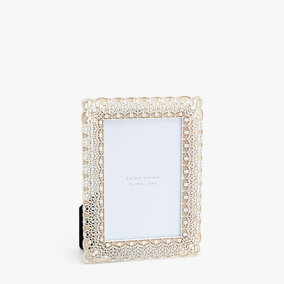 WHITE DIE-CUT FRAME WITH ANTIQUE FINISH