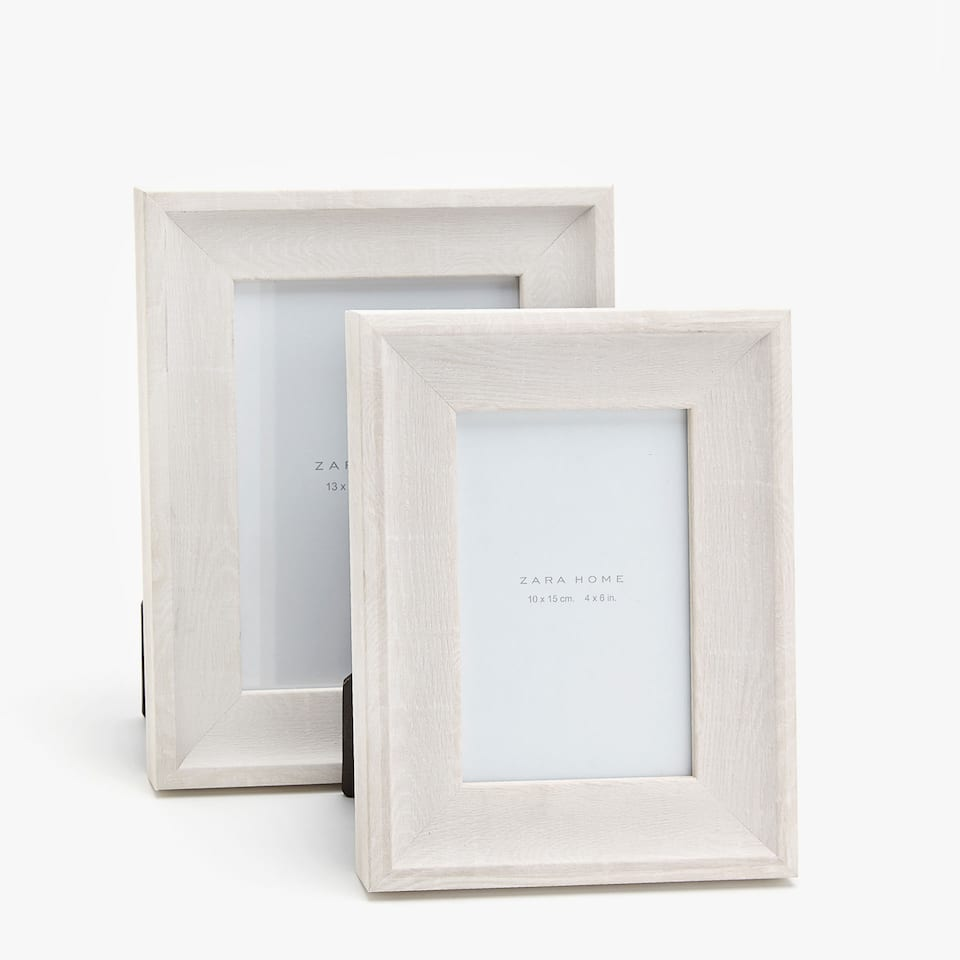 WHITE FAUX WOOD FRAME