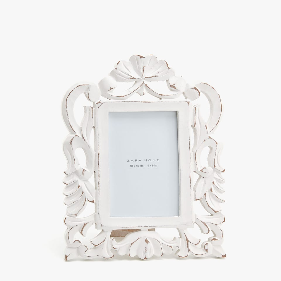 WHITE DIE-CUT WOODEN FRAME