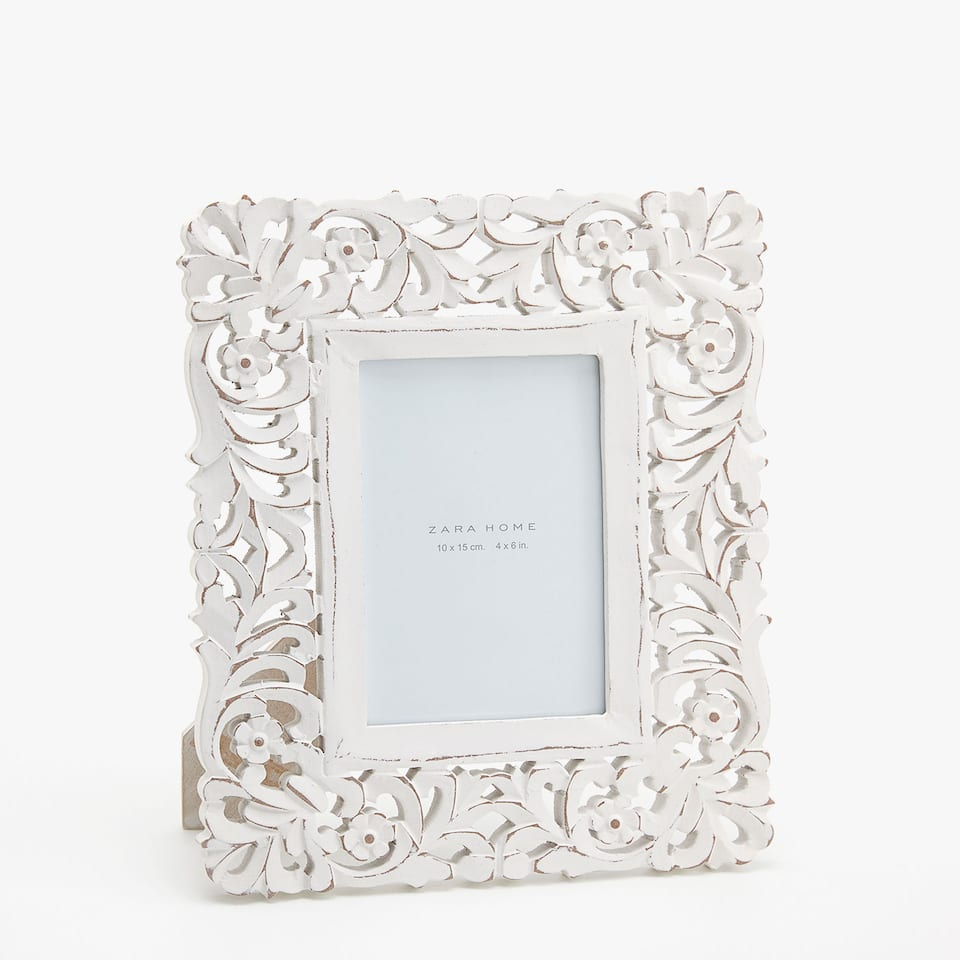 WHITE RECTANGULAR DIE-CUT WOODEN FRAME