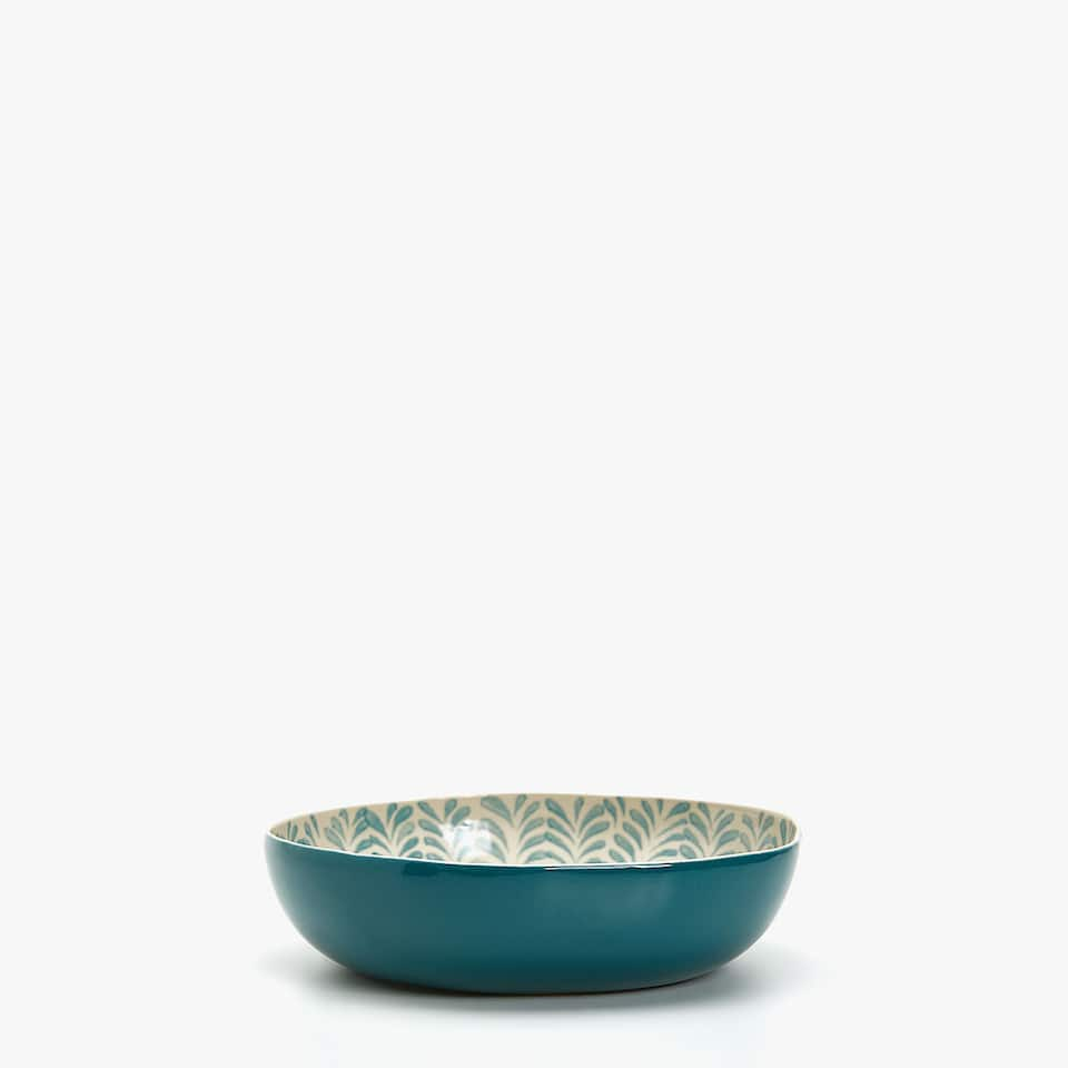 TWO-TONE BOWL WITH LEAVES DESIGN