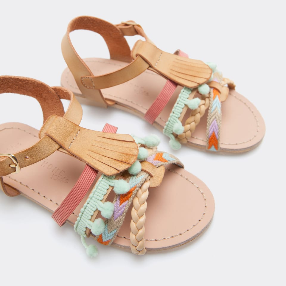 SANDALS WITH POMPOMS