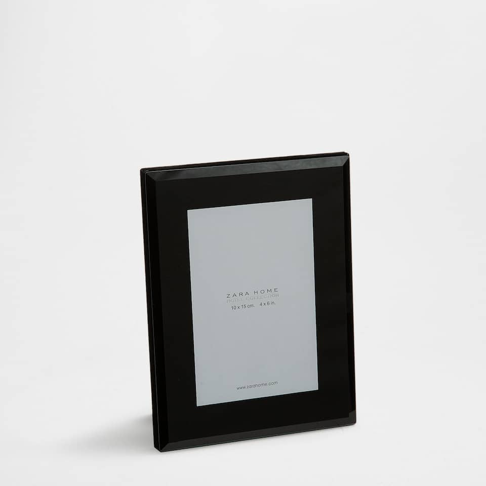 Black glass frame