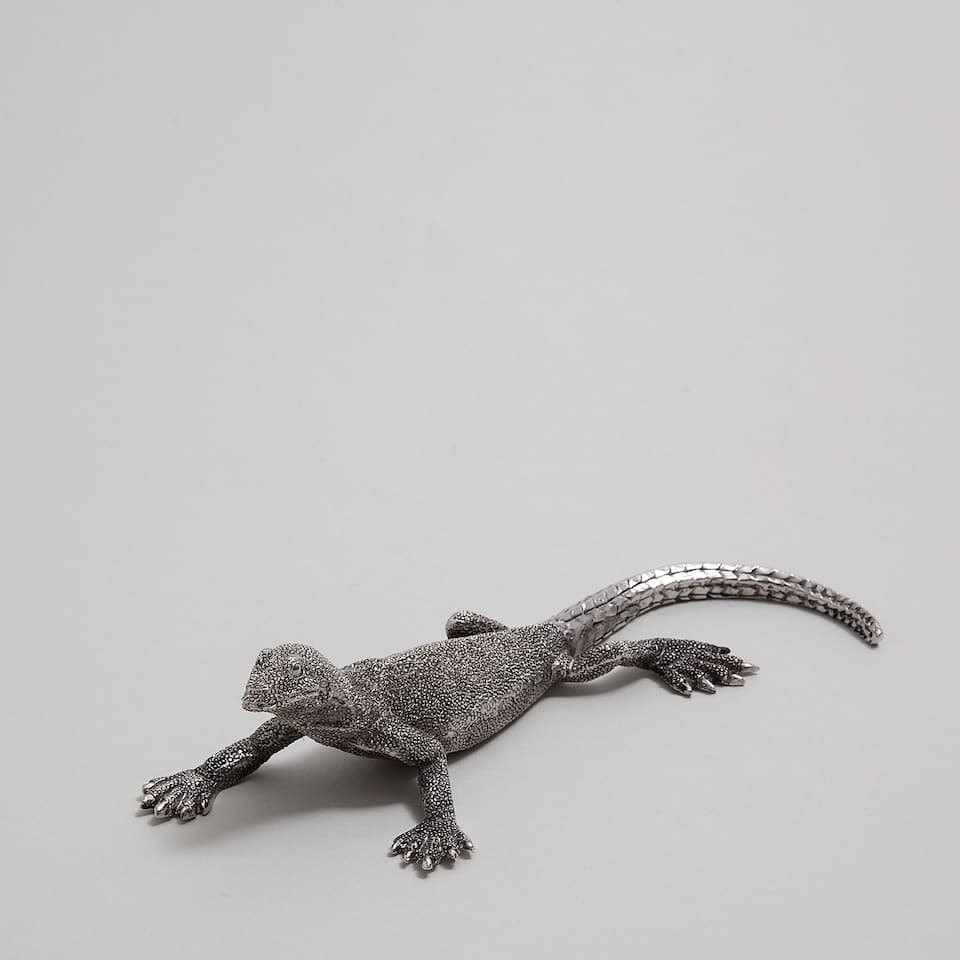 Lizard decorative figure