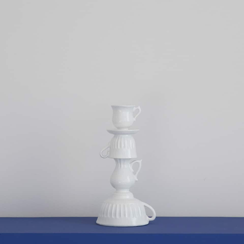 WHITE MUGS-SHAPED CANDLESTICK