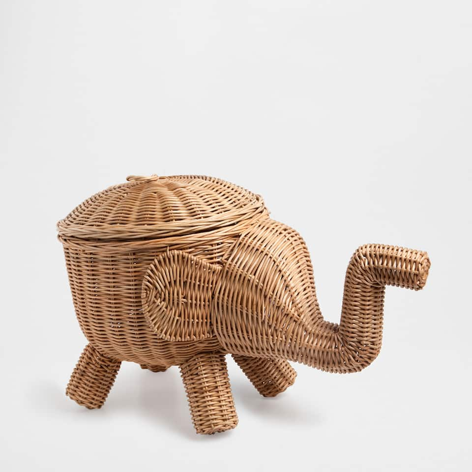 ELEPHANT-SHAPED BASKET