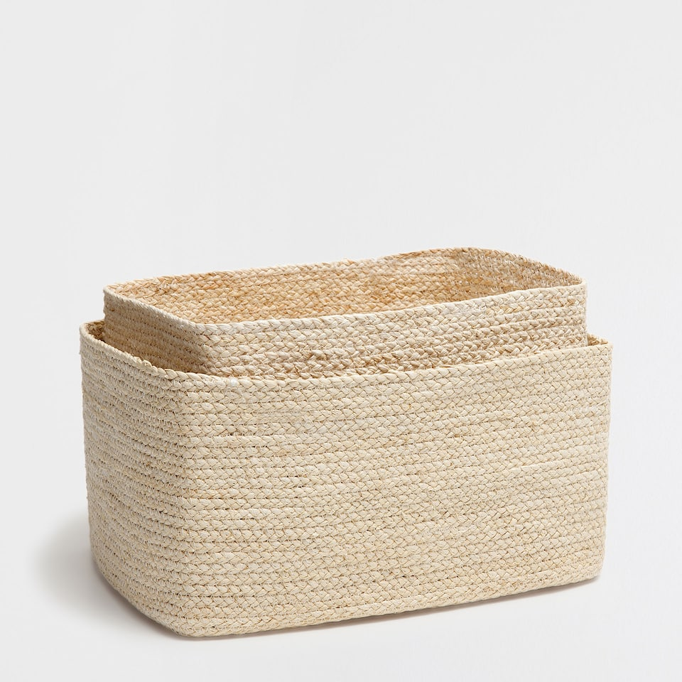 PLAITED CORN HUSK RECTANGULAR BASKET