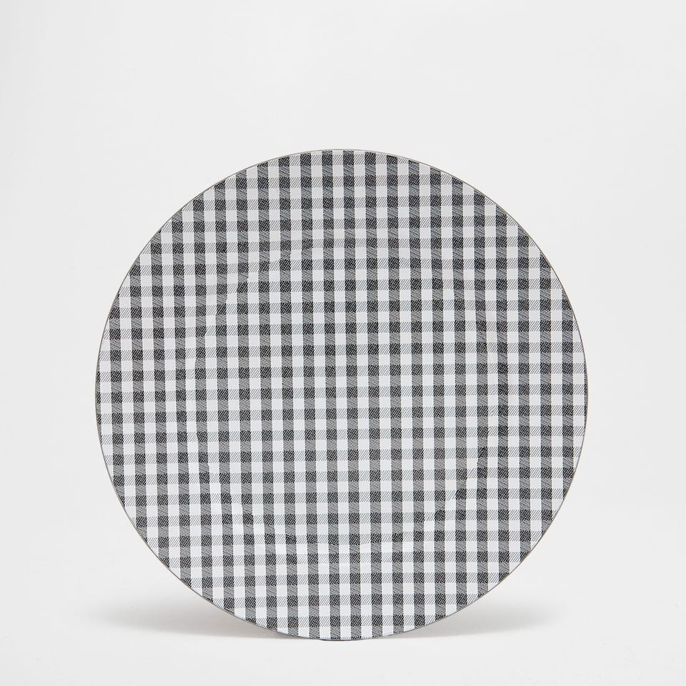 Gingham plate charger