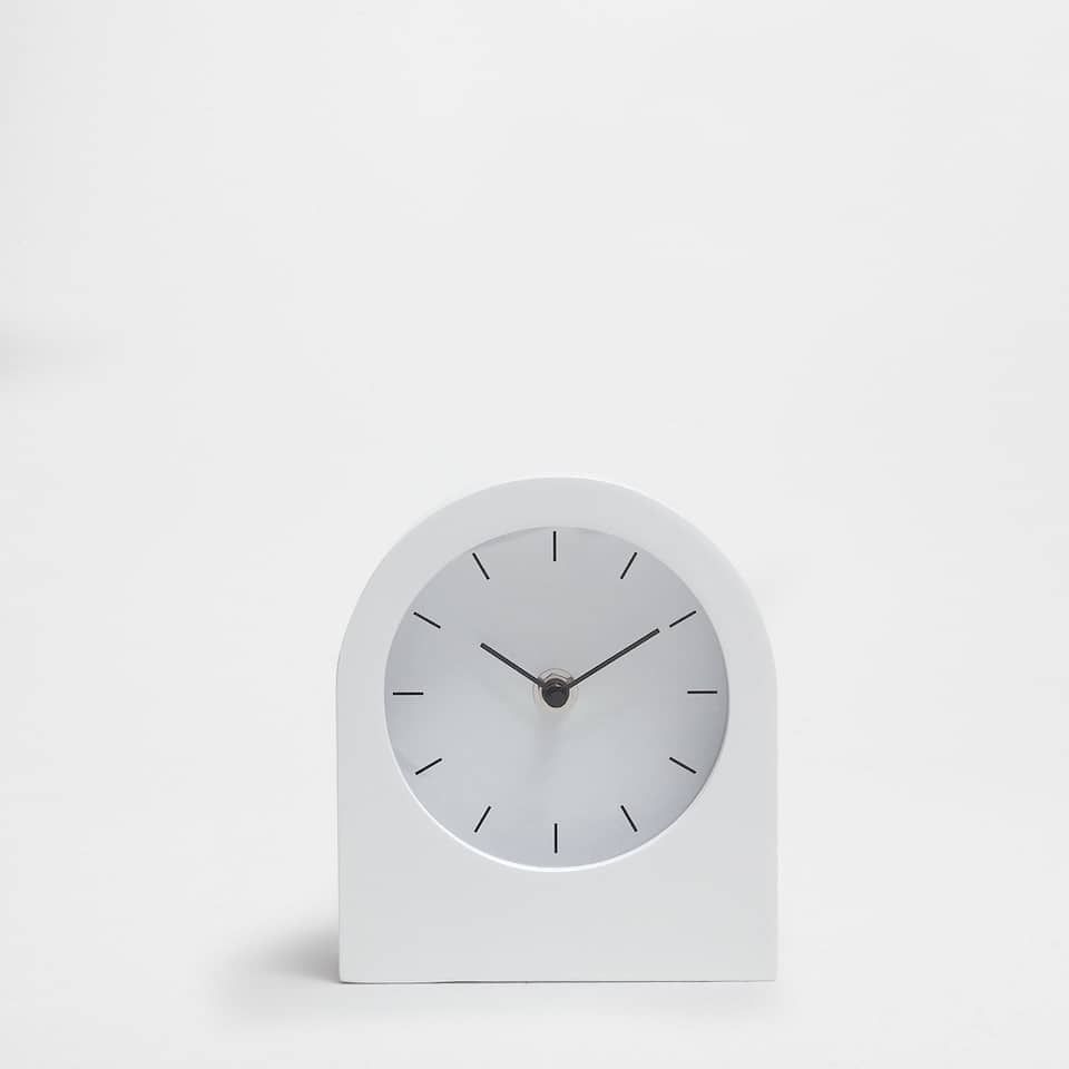 Lacquered white clock