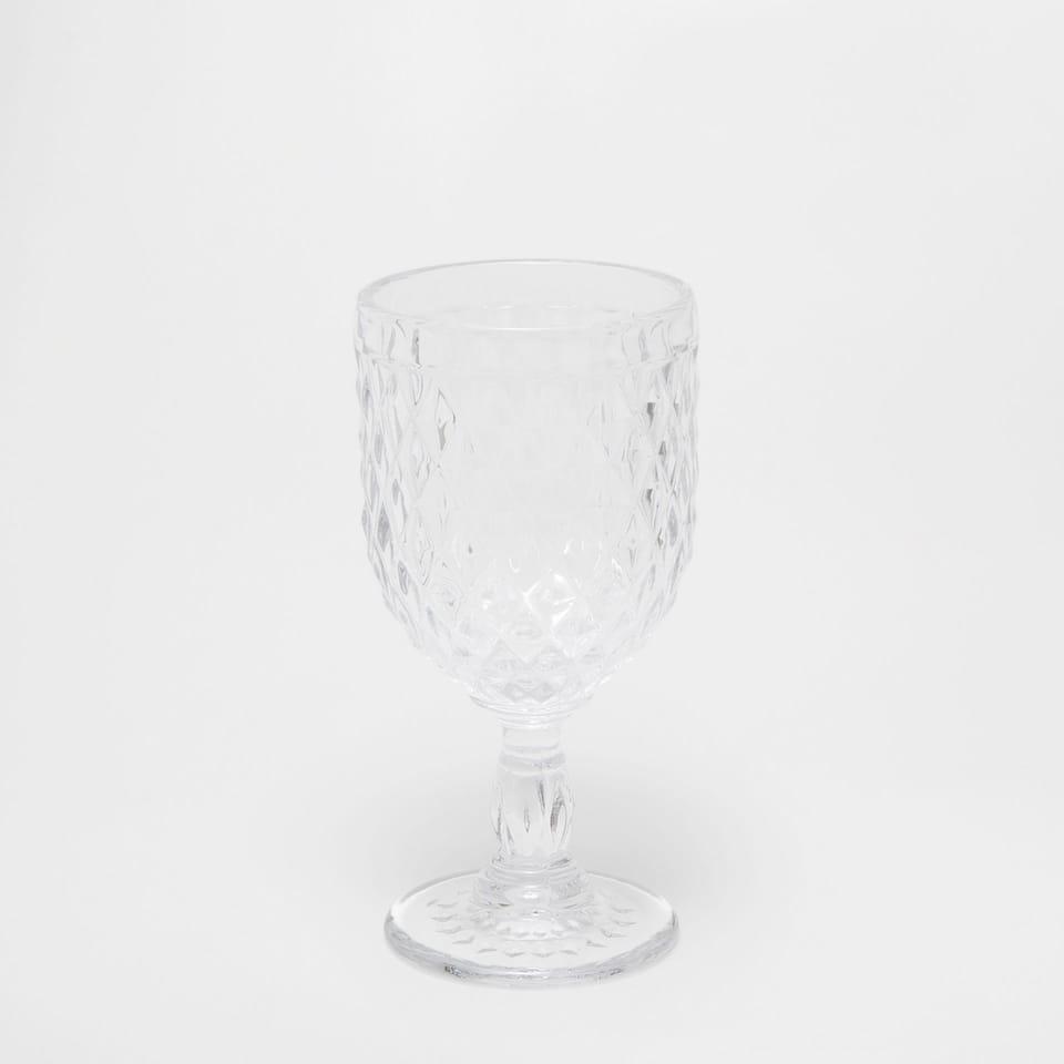 Raised diamonds wine glass