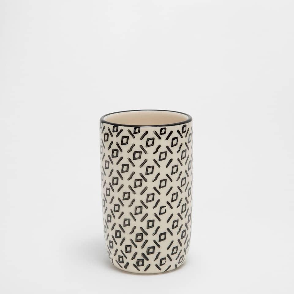Ceramic tumbler with two-tone design