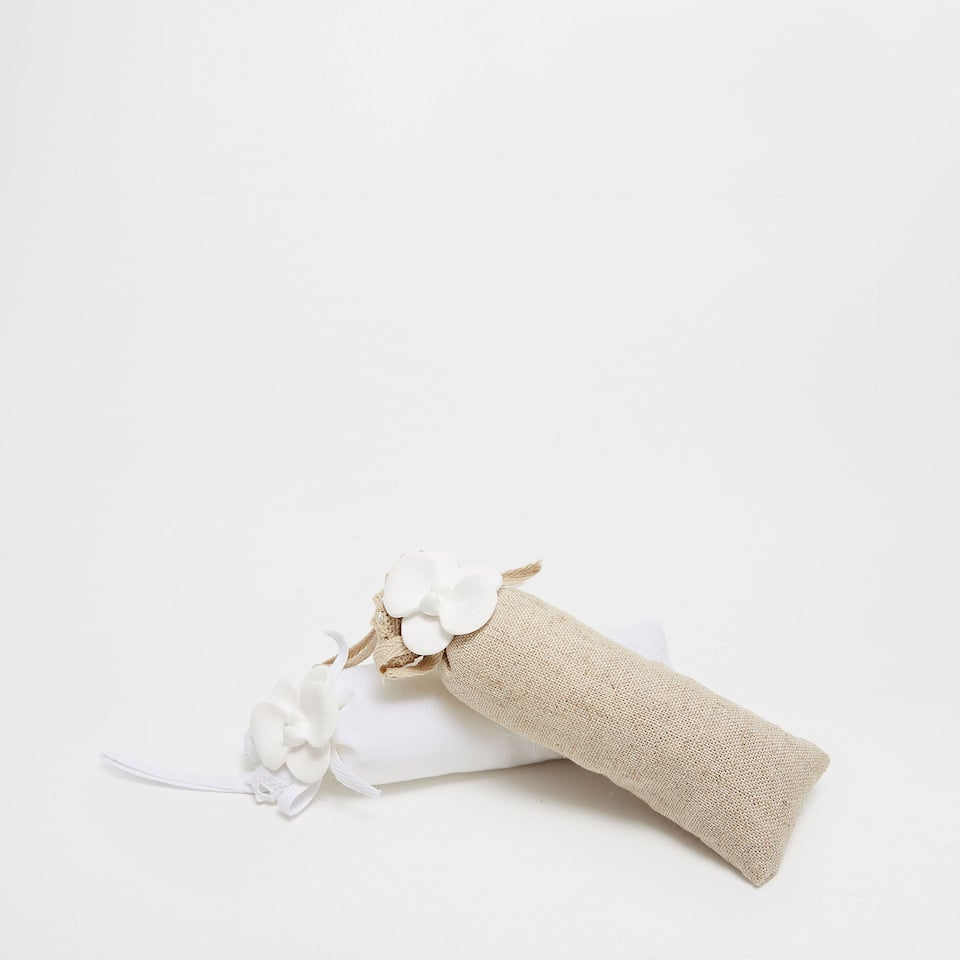 Linen and flower scented sachets (set of 2)