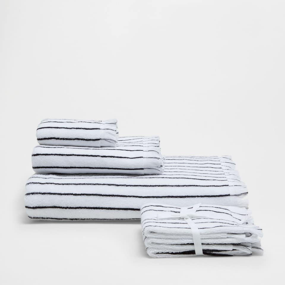 COTTON TOWEL WITH STRIPES AND FRINGES