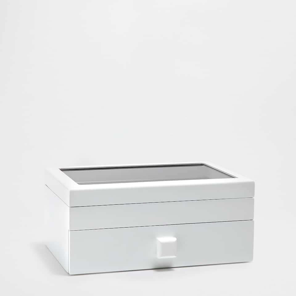 LACQUERED WHITE JEWELLERY BOX