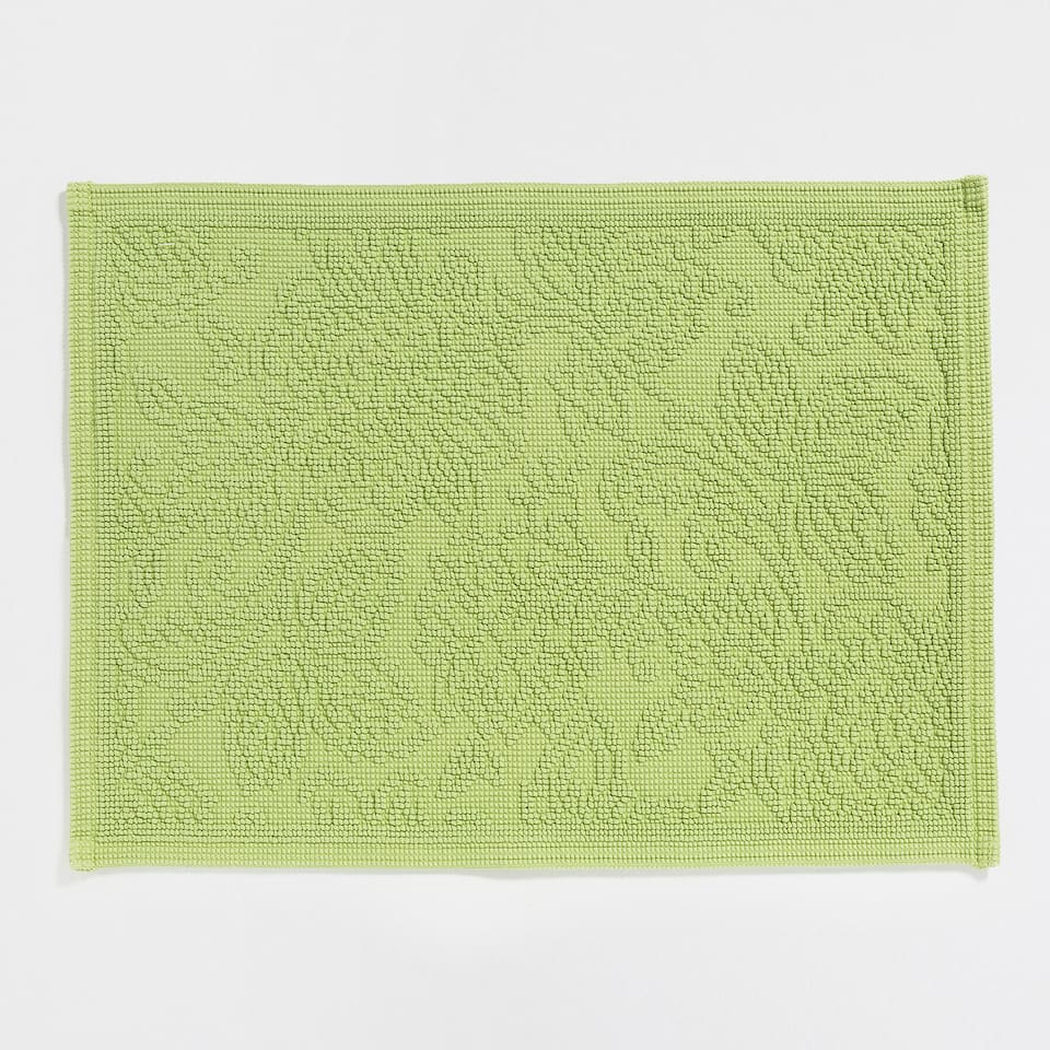 COTTON BATH MAT WITH RAISED FLOWERS