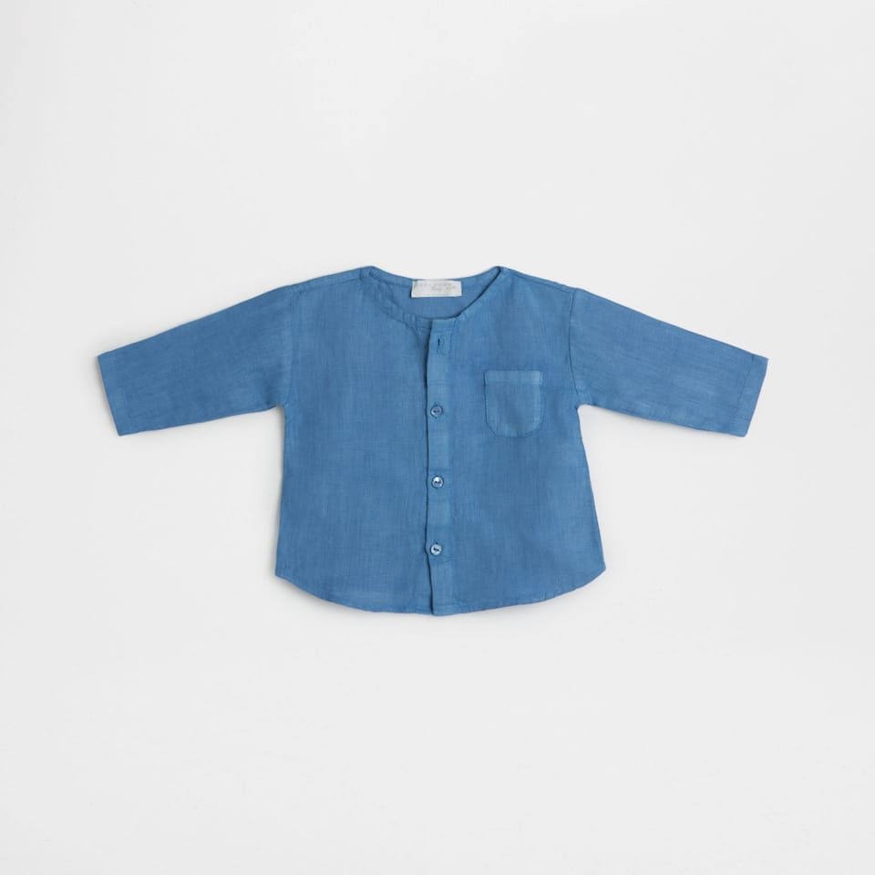 Blue linen shirt with pocket